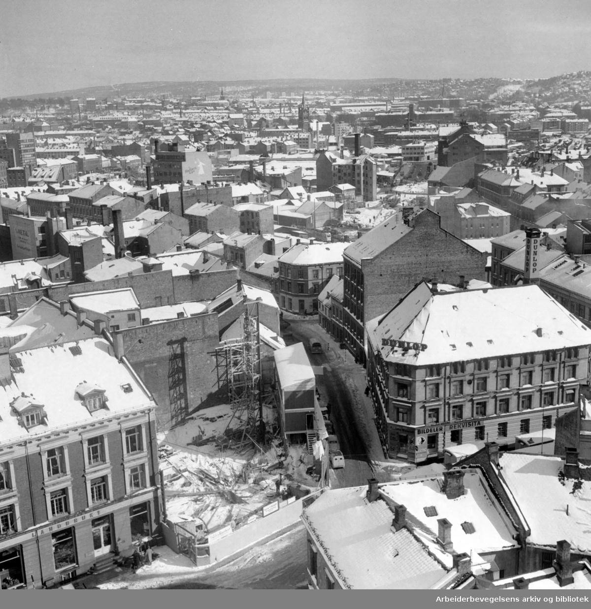 Vaterland. Sett fra hotell Viking. Mars 1957