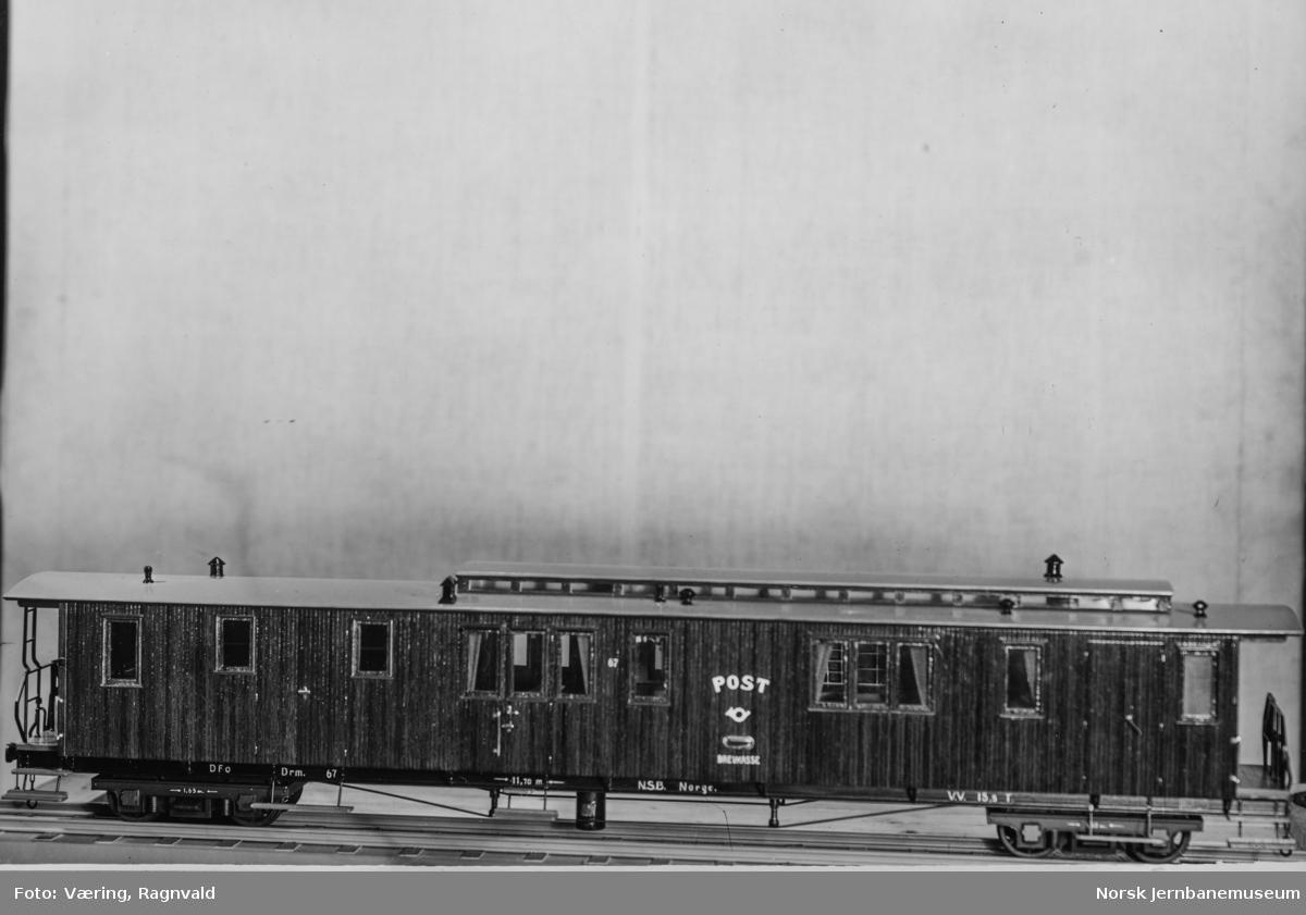 Modell av post- og reisegodsvogn til NSB Vestfoldbanen litra DFo nr. 67