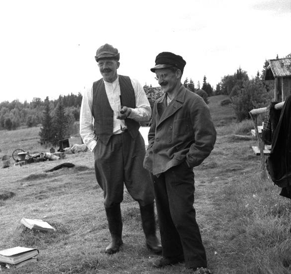 """Inspelning av filmen """"Ursula, flickan i Finnskogarna"""". Fr v: Hugo Olsson, Jens Olsen."""