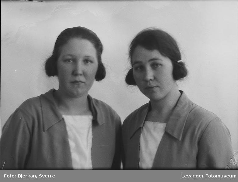 Portrett, trolig av to søstre. En av dem heter Anna krigsvold