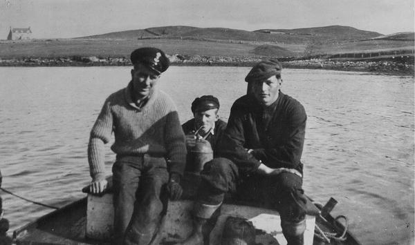 VITA_crew_-_Johansen_Sandvik_Hermansen_at_Lunna_1941.jpg. Foto/Photo