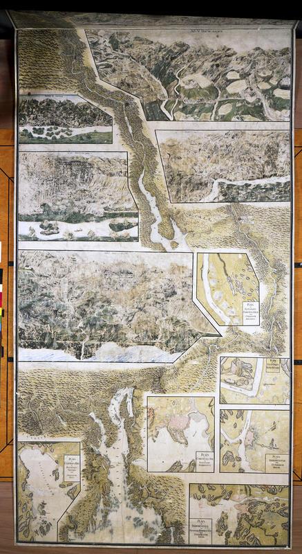Gammelt, tegnet kart over Christian 6.'s reiserrute på Østlandet med detaljkart over de ulike besøksstedene innfelt. (Foto/Photo)