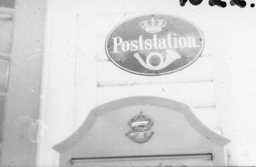Poststation, skylt.
