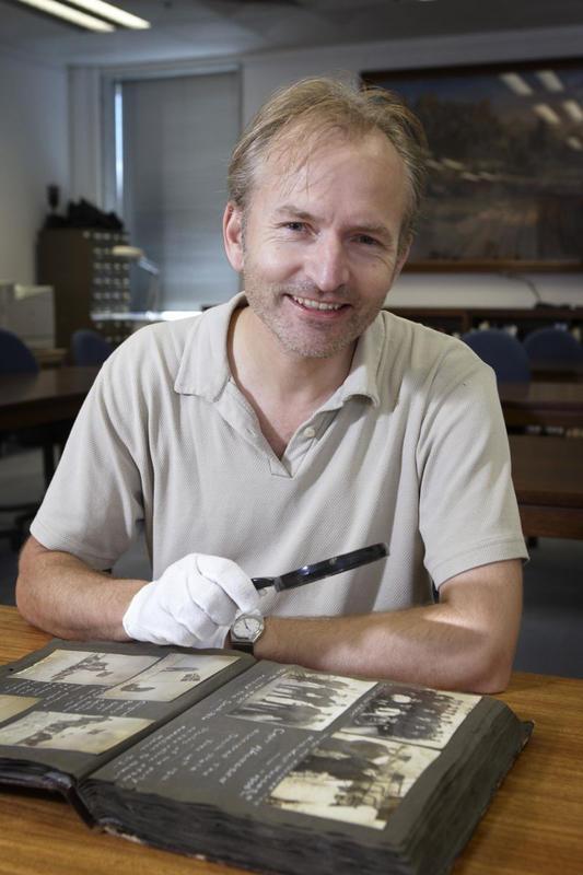 Harald Østgaard Lund på besøk i Nasjonalbiblioteket i Australia.