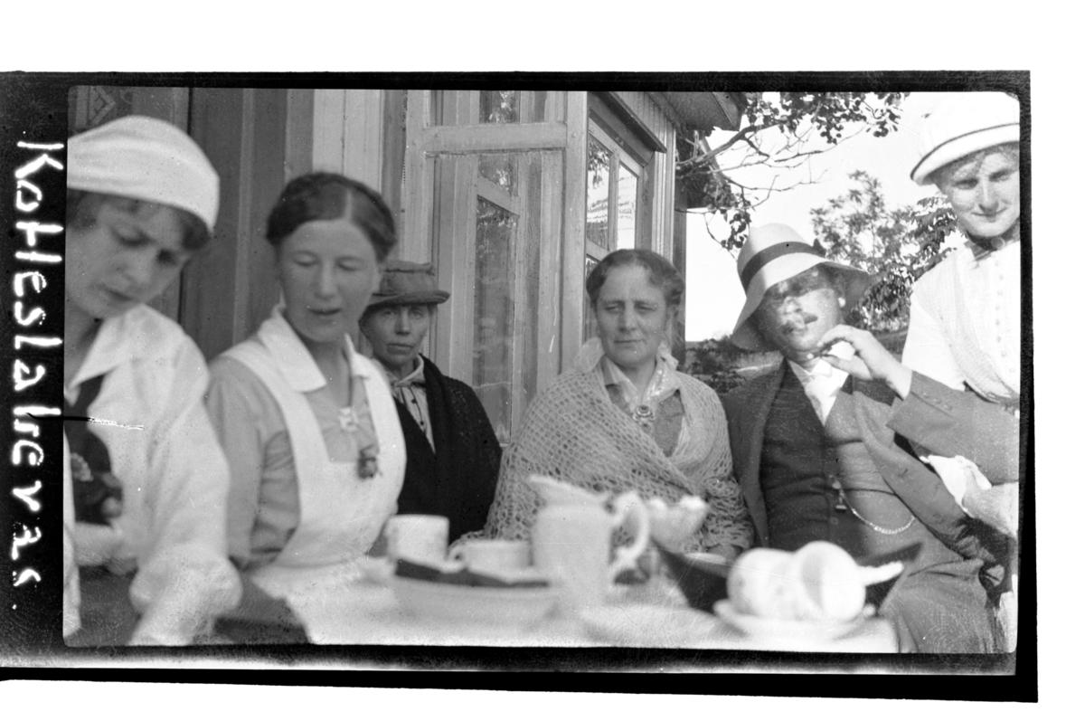 Birgit Aubert En Barnepleierske Julie Myhre Birgitte Aubert