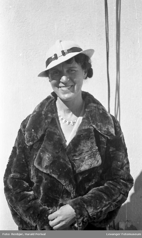 Portrett av kvinne, Holtermann, fornavn ukjent