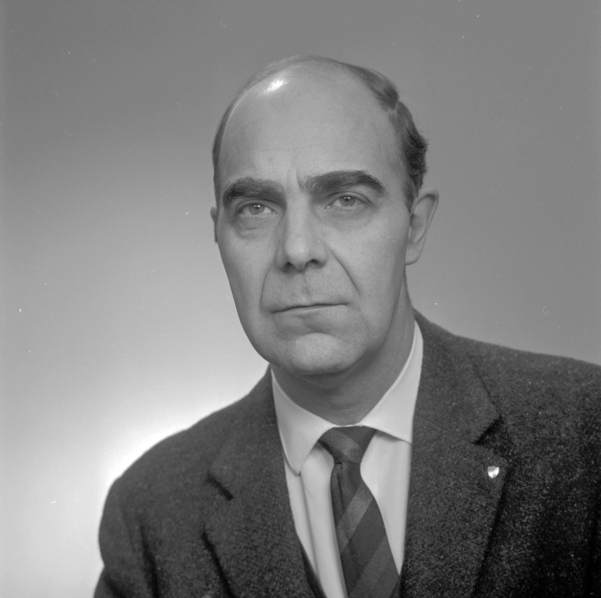 Postdirektionen. Olle L. Den 15 december 1966