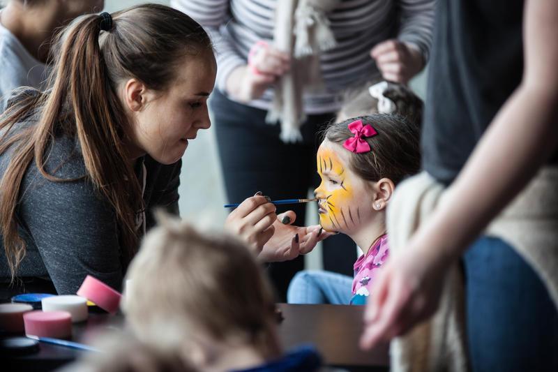 Ansiktsmaling for barn. Foto: Rikke Sørlie Langø