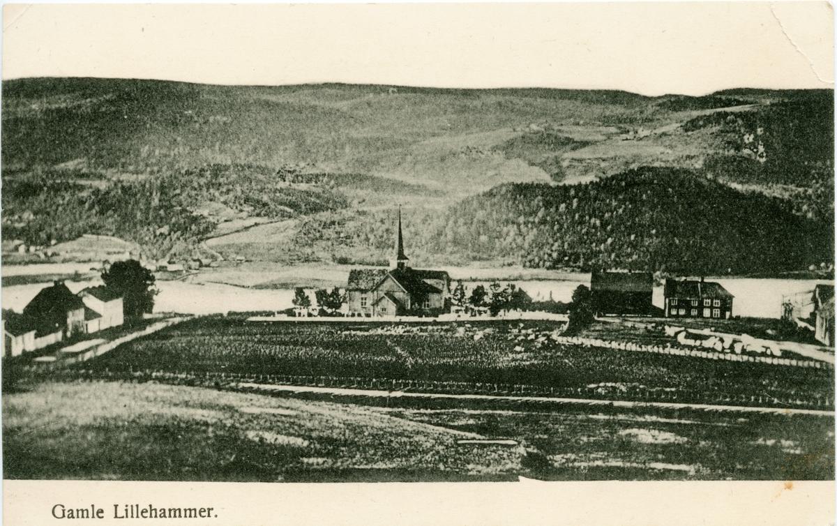 Repro: postkort, Lillehammer gamle kirke, korskirke, sett mot vest