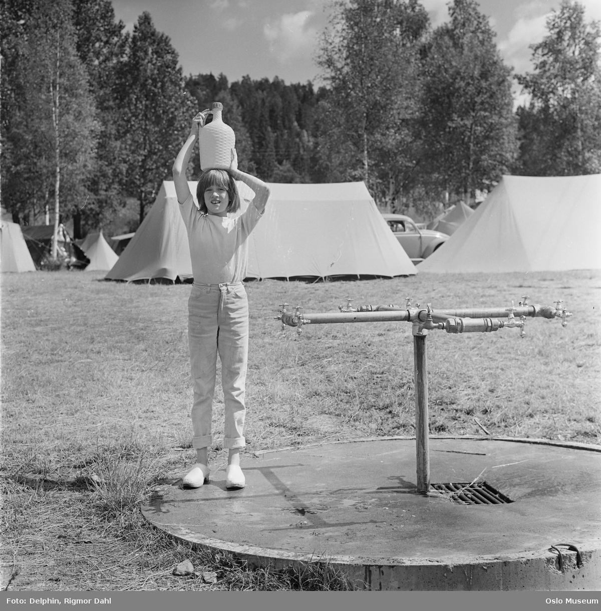 Bogstad Camping, vannpost, jente, vennhenting
