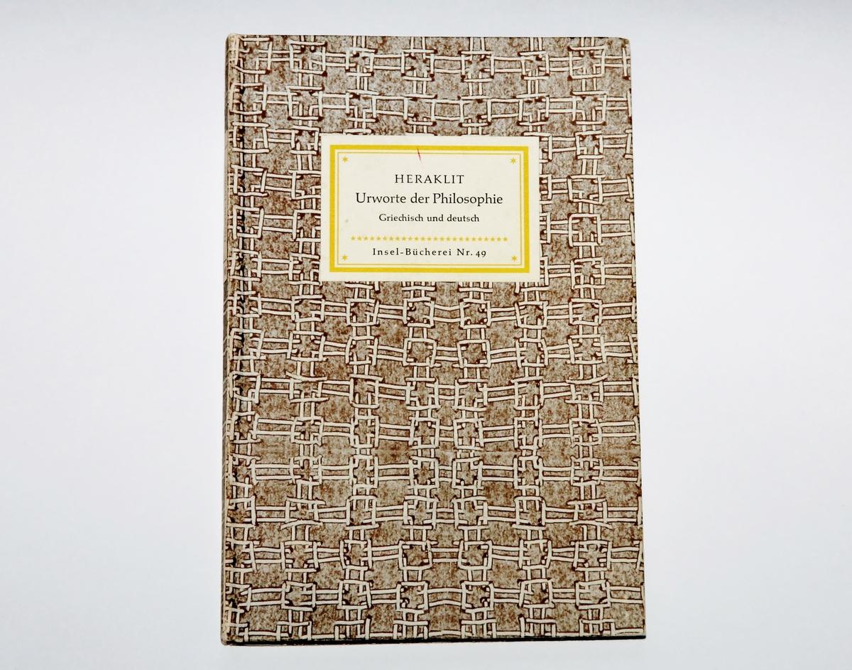 """Fleire av dikta til Hauge kan vere påverka av lesinga hans av Heraklit. I diktet """"Framfor undergangen"""" skriv Hauge om """"Heraklits vassgraut"""".  I boka har Hauge notert ordet """"byggraut"""" på side 36."""