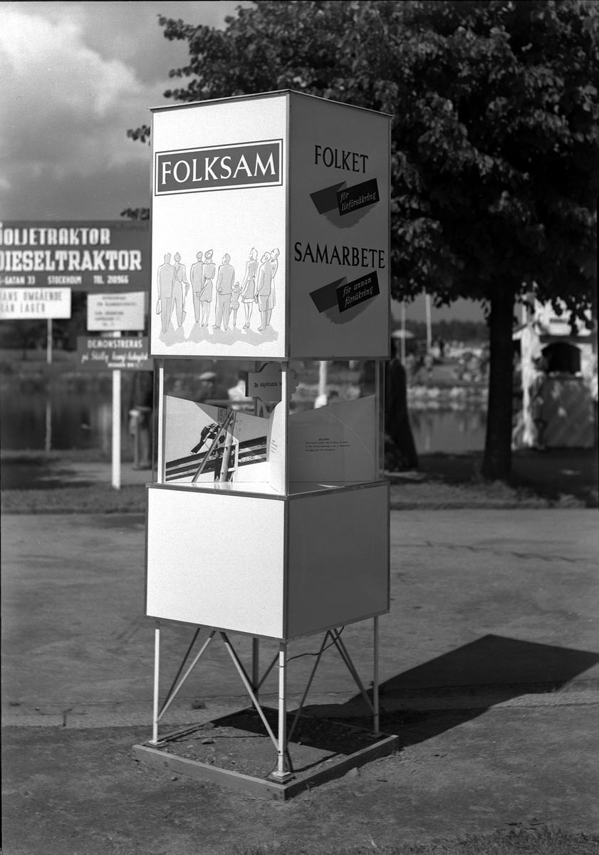 Hantverksutställningen 1947 i Kalmar. Monter för Folksam.