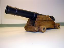 Liten kanon som bletilbudt på en auksjon som ble holdt på Dr