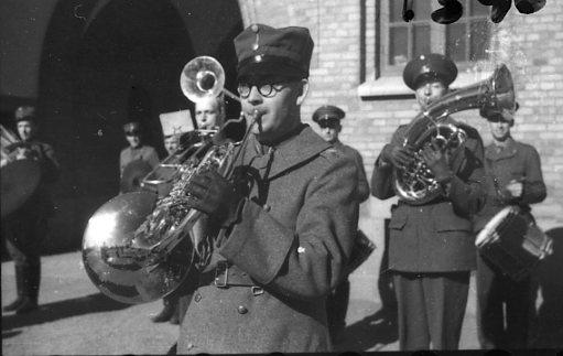 Mellquist, Sune. Musiksergeant, A 6.