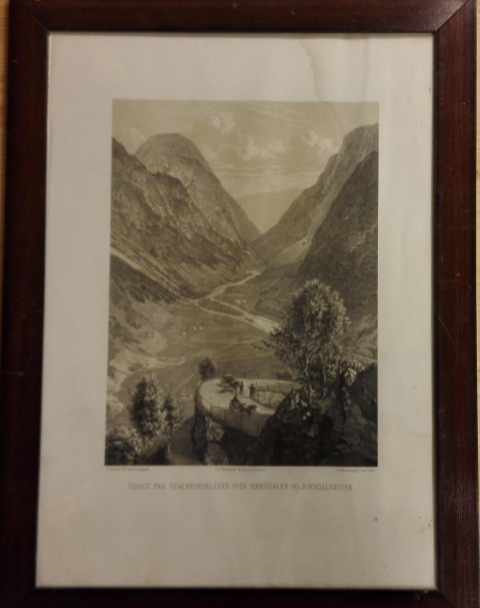 Nærøydalen og Jorddalsnuten.