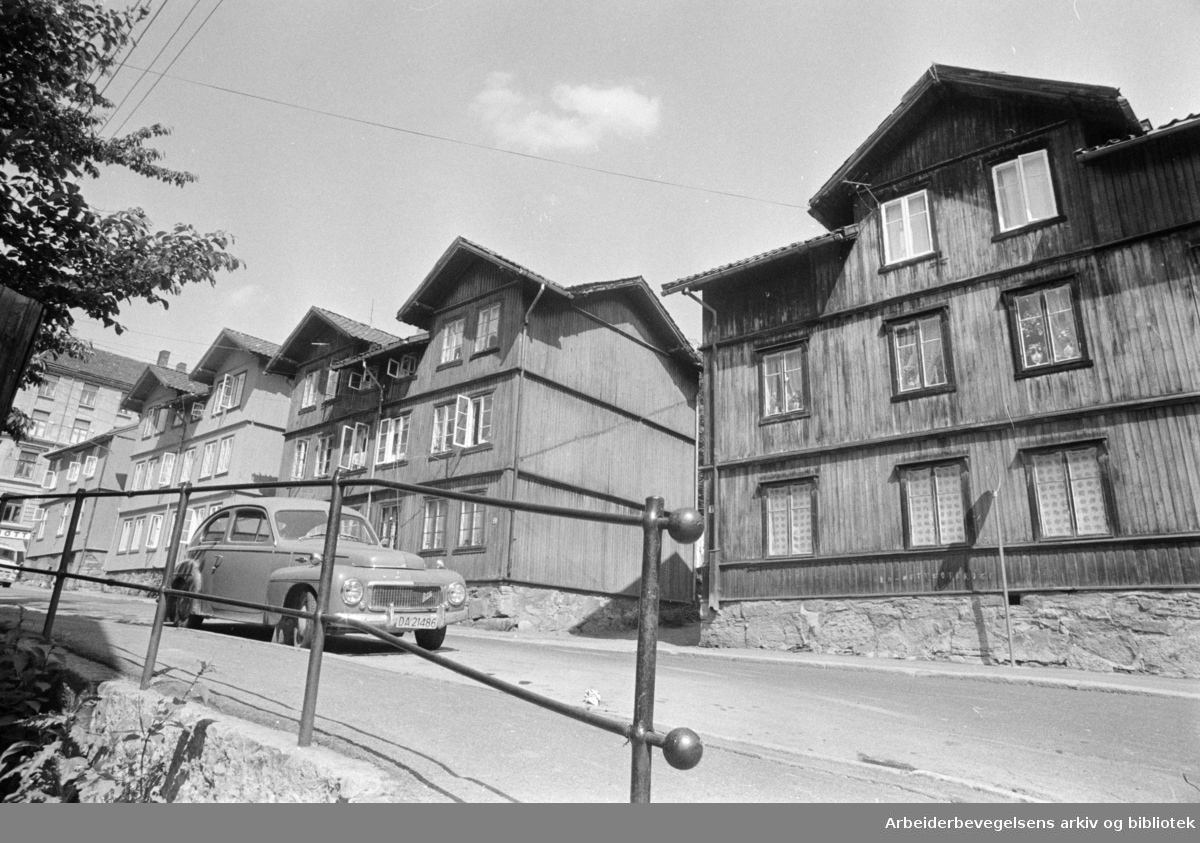 Kampen. Norderhovsgata og Ullensakergata. Juni 1975