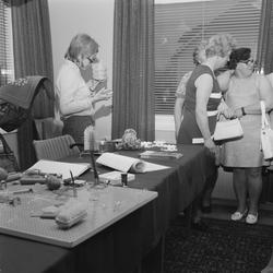 Debatt om arbetarskydd i Tierp, Uppland, maj 1971