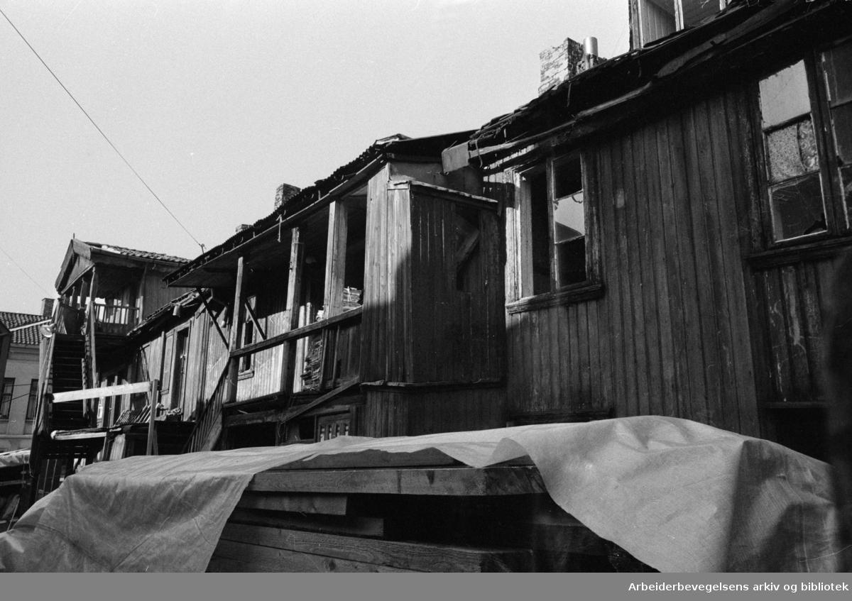 Grünerløkka, Gamle gårder. Øvregata. Oktober 1972