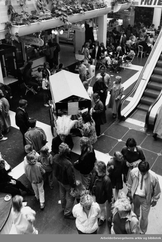 Aker brygge. Interiører. Mai 1987