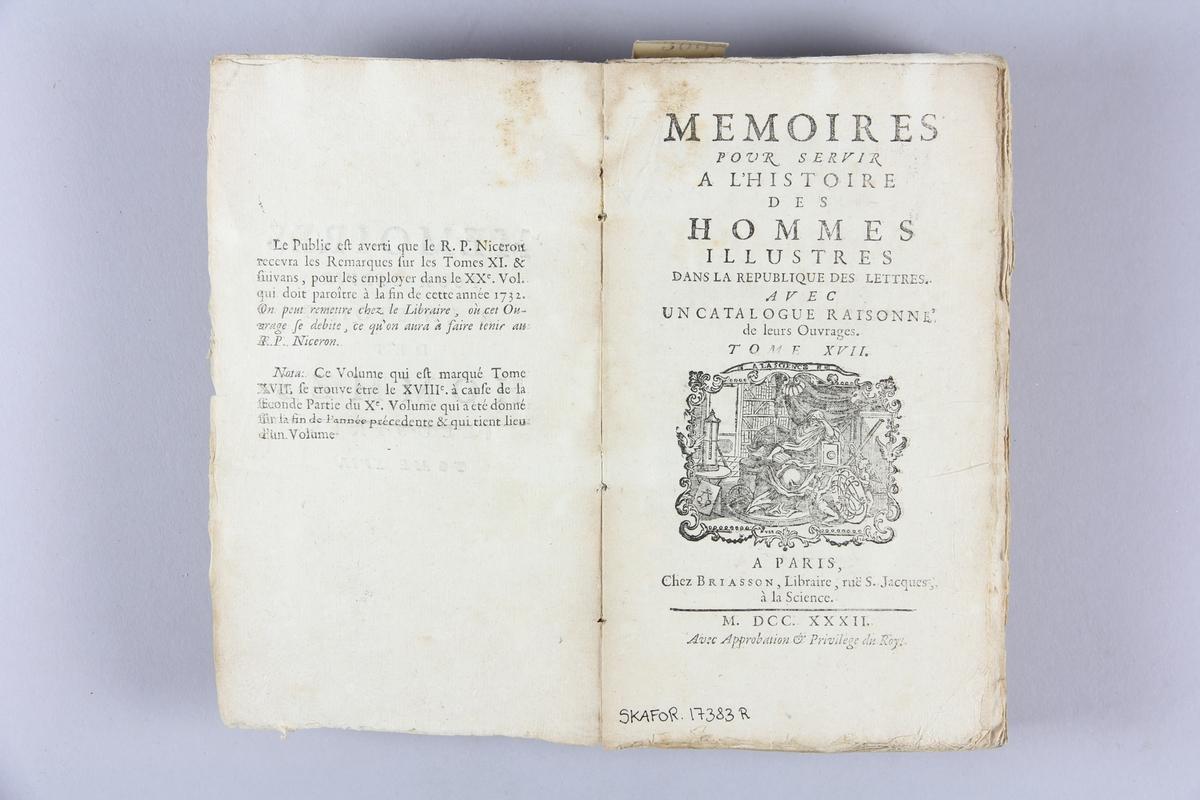 "Bok, häftad, ""Mémoires pour servir à l´ histoire des hommes illustres"", del 17. Pärmar av marmorerat papper, oskuret snitt."