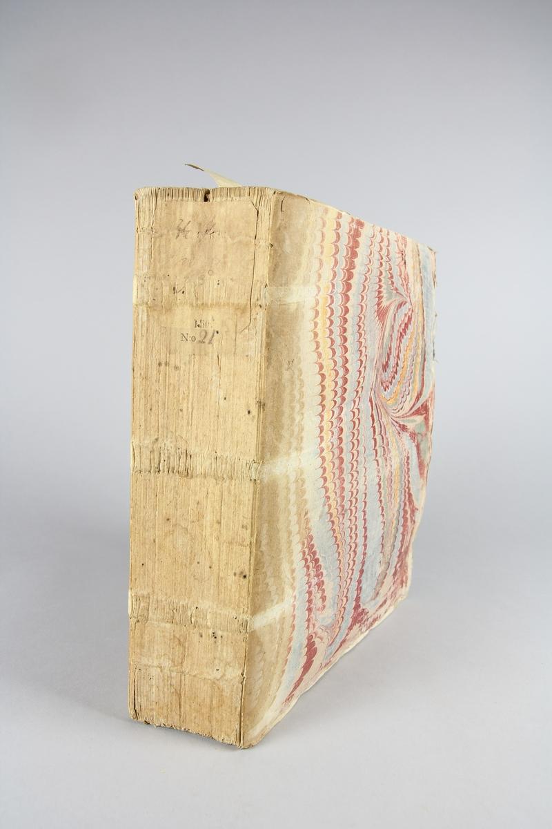 """Bok, häftad """"Histoire universelle,"""" del 2. Pärmar av marmorerat papper, blekt och skadad rygg. Etikett med samlingsnummer."""