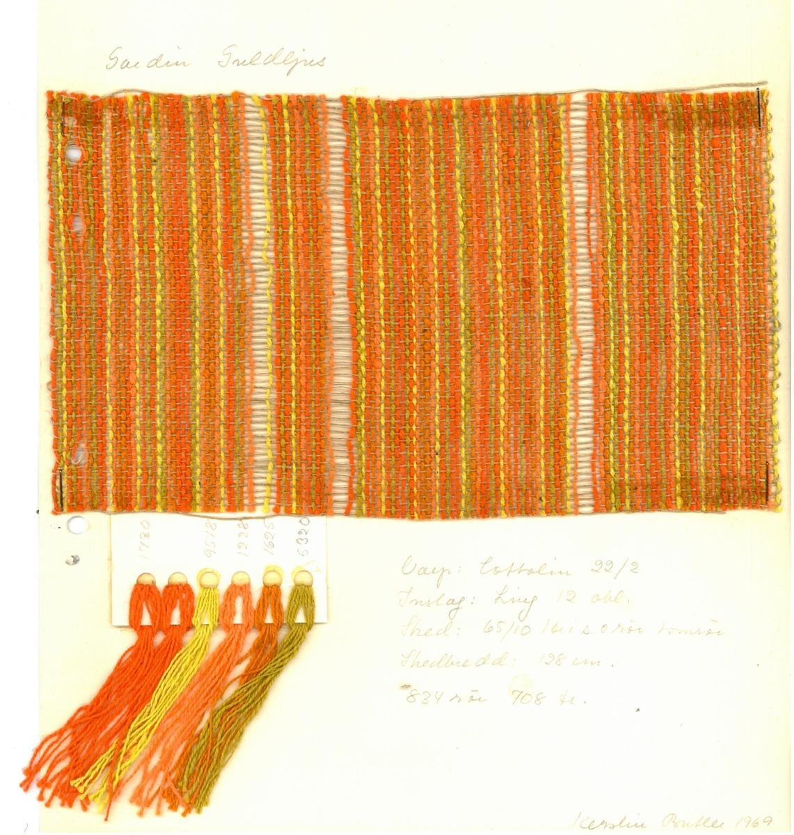 """Pärm med vävprover till gardiner. Gardin """"Guldljus"""" Formgivare: Kerstin Butler 1961-1969"""