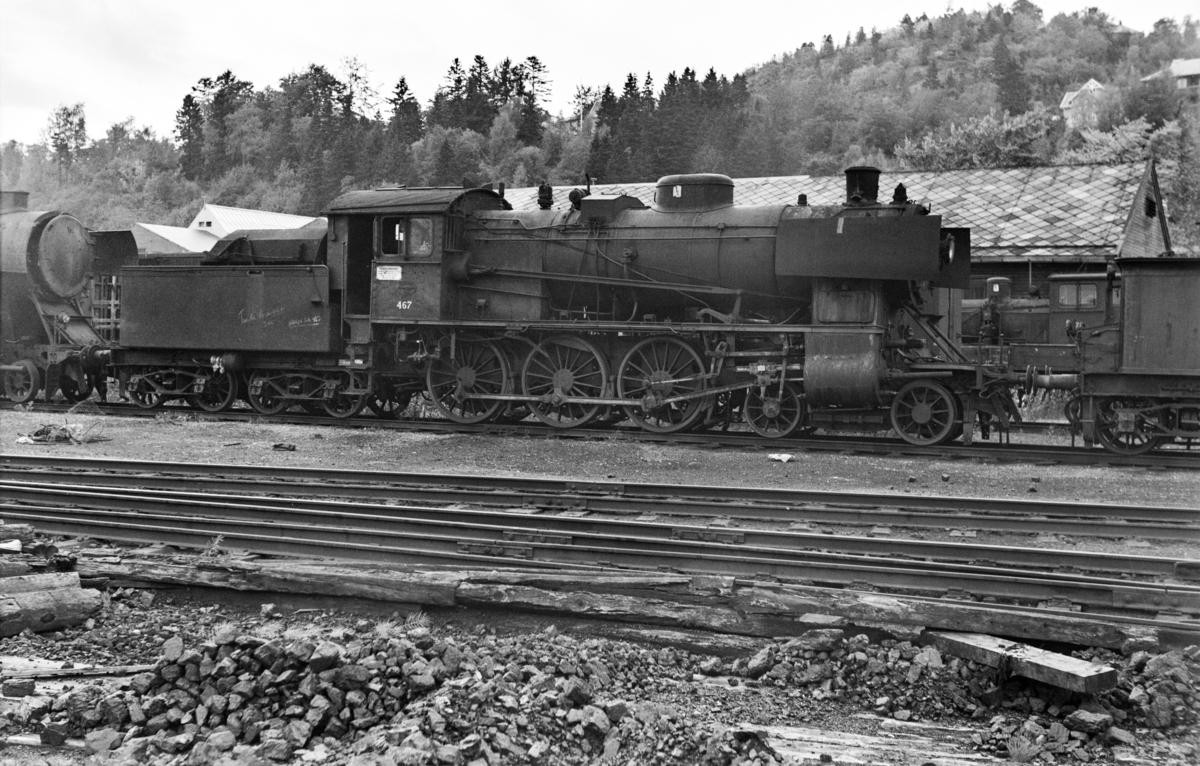 Hensatt damplokomotiv type 30c nr. 467 på Marienborg.