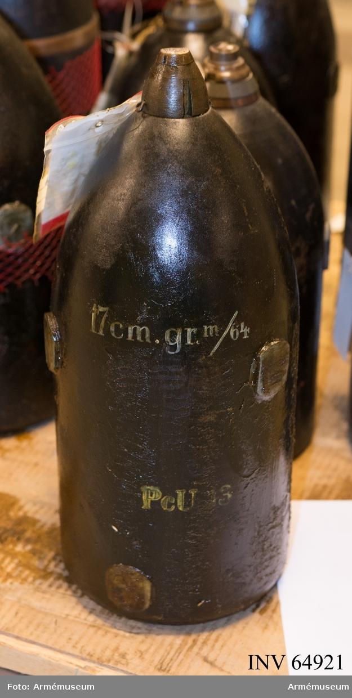 Grupp F II. 17 cm granat m/1868 med tungt nedslagsrör m/1864 till räfflad framladdningsmateriel.