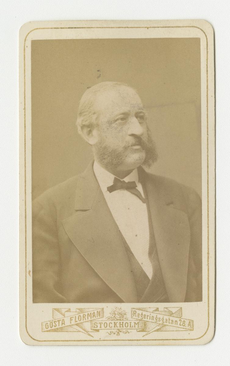 Porträtt av Carl Axel Henrik Planting-Gyllenbåga, officer vid Skaraborgs regemente I 9. Se även bild AMA.0007405.