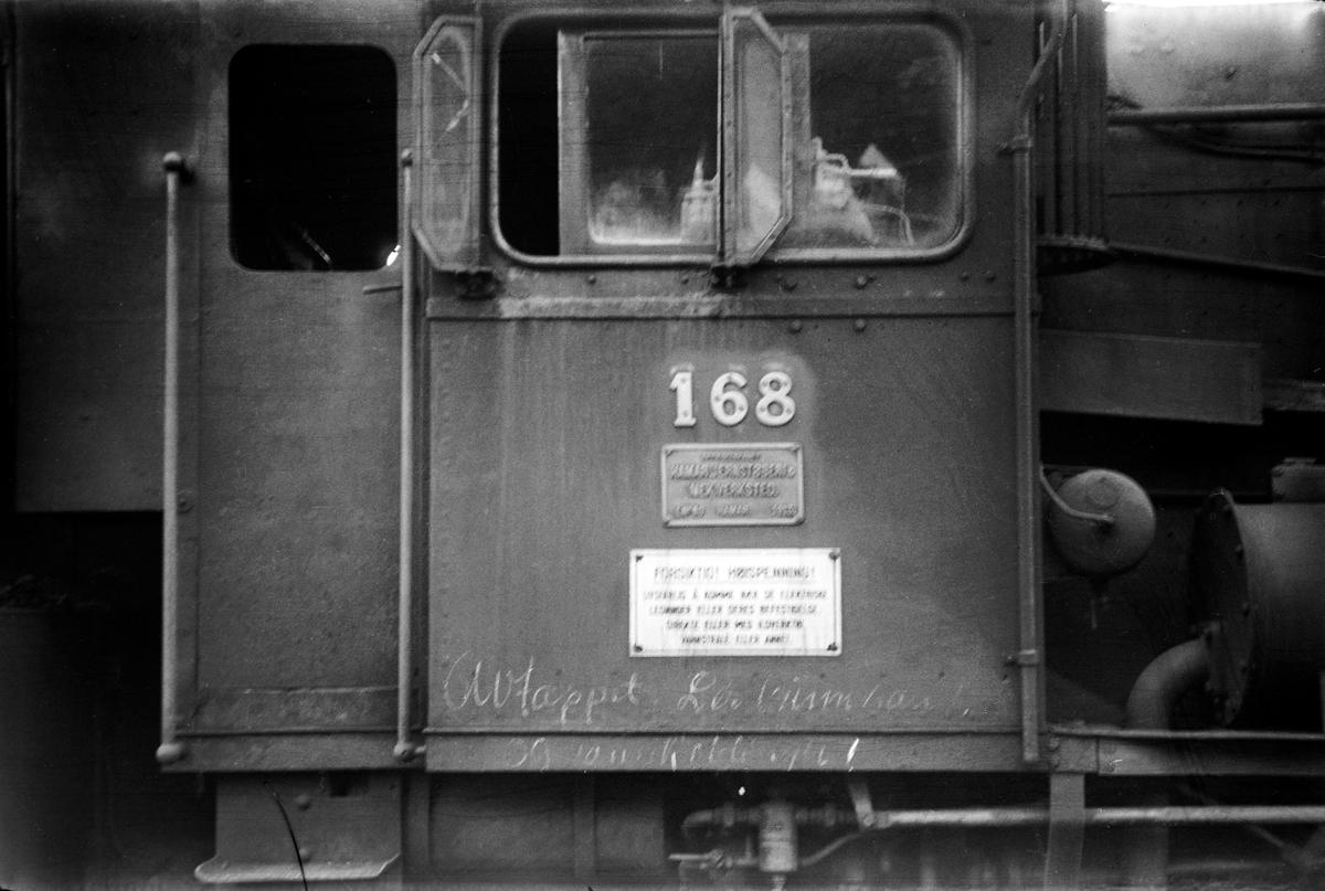 Hensatt damplokomotiv type 39a nr. 168 på Bergen stasjon.