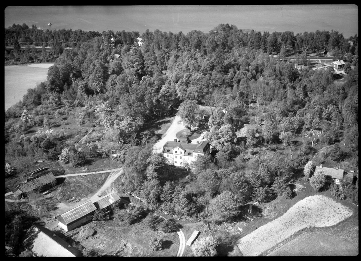 Flygbild över Stensjö gård, Stensjö. Tagen av AB Flygtrafik Dals Långed.