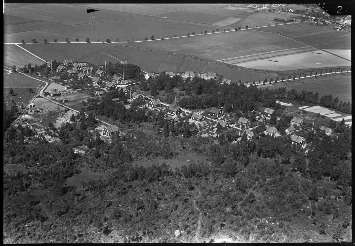 Flygfoto över Tillberga. Tagen av Ahrenbergsflyg.
