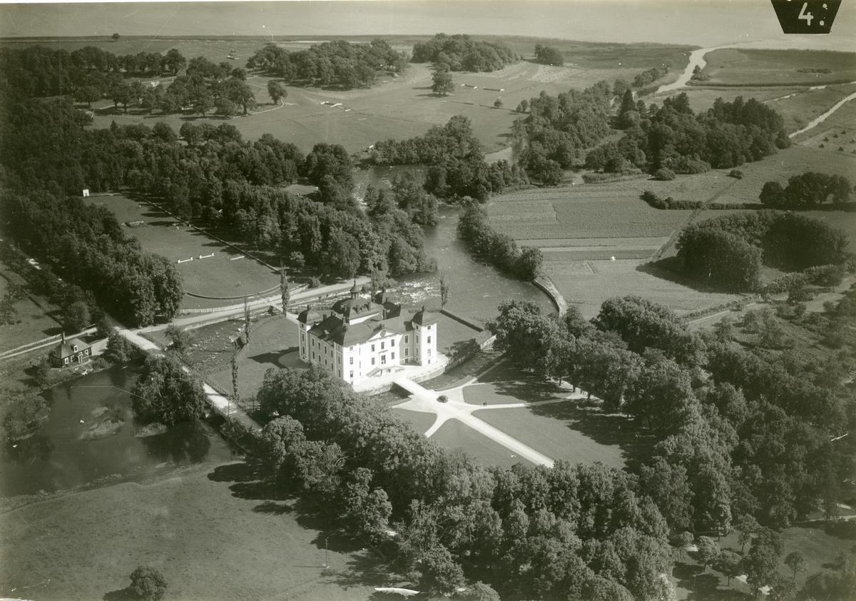 Kolbäck sn, Strömsholms slott. Flygfoto av slottet och slottsområdet.