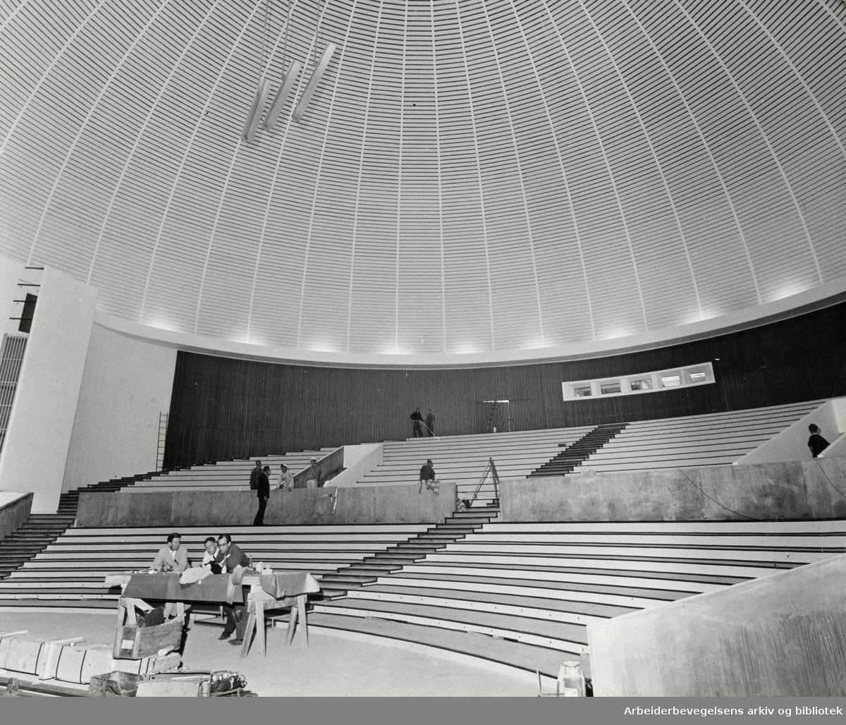 Colosseum kino. Snart ferdigstilt etter brannen.1964