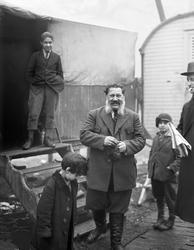 Vintern 1926 eller 1927 hade en grupp svenska romer slagit s