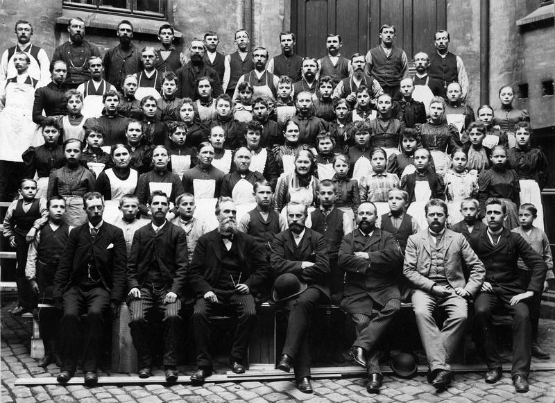 Tiedemann-ansatte fotografert i 1894. (Foto/Photo)