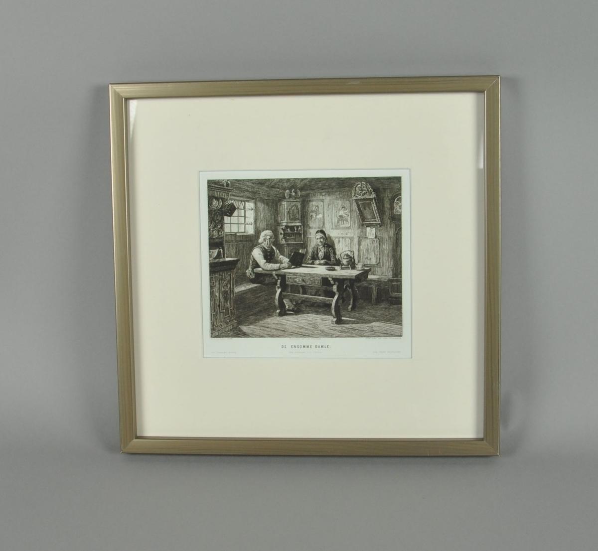 Trykk med motiv av et eldre par i stue, i hvit paspatur. Trykket har sølvmalt ramme av tre.