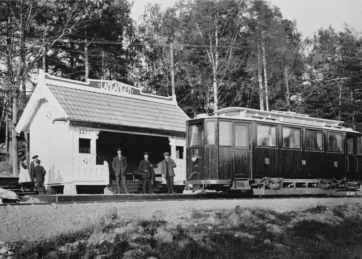 Stockholm–Rimbo Järnvägsaktiebolag, SRJ spårvagn 51 vid Långängen hållplats, sedemera Långängstorp, på Långängsbanan.