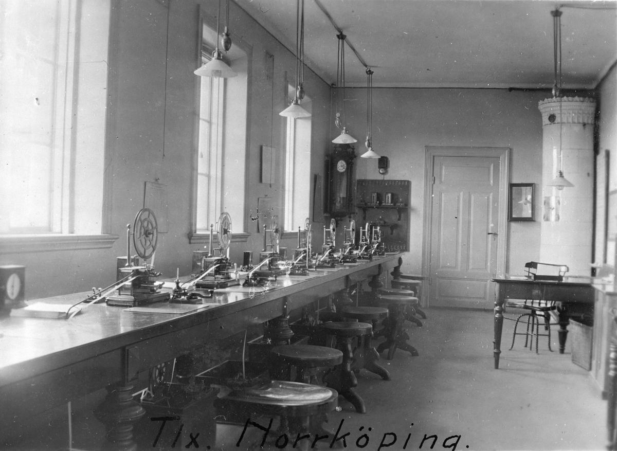 Stationens telegrafexpedition.