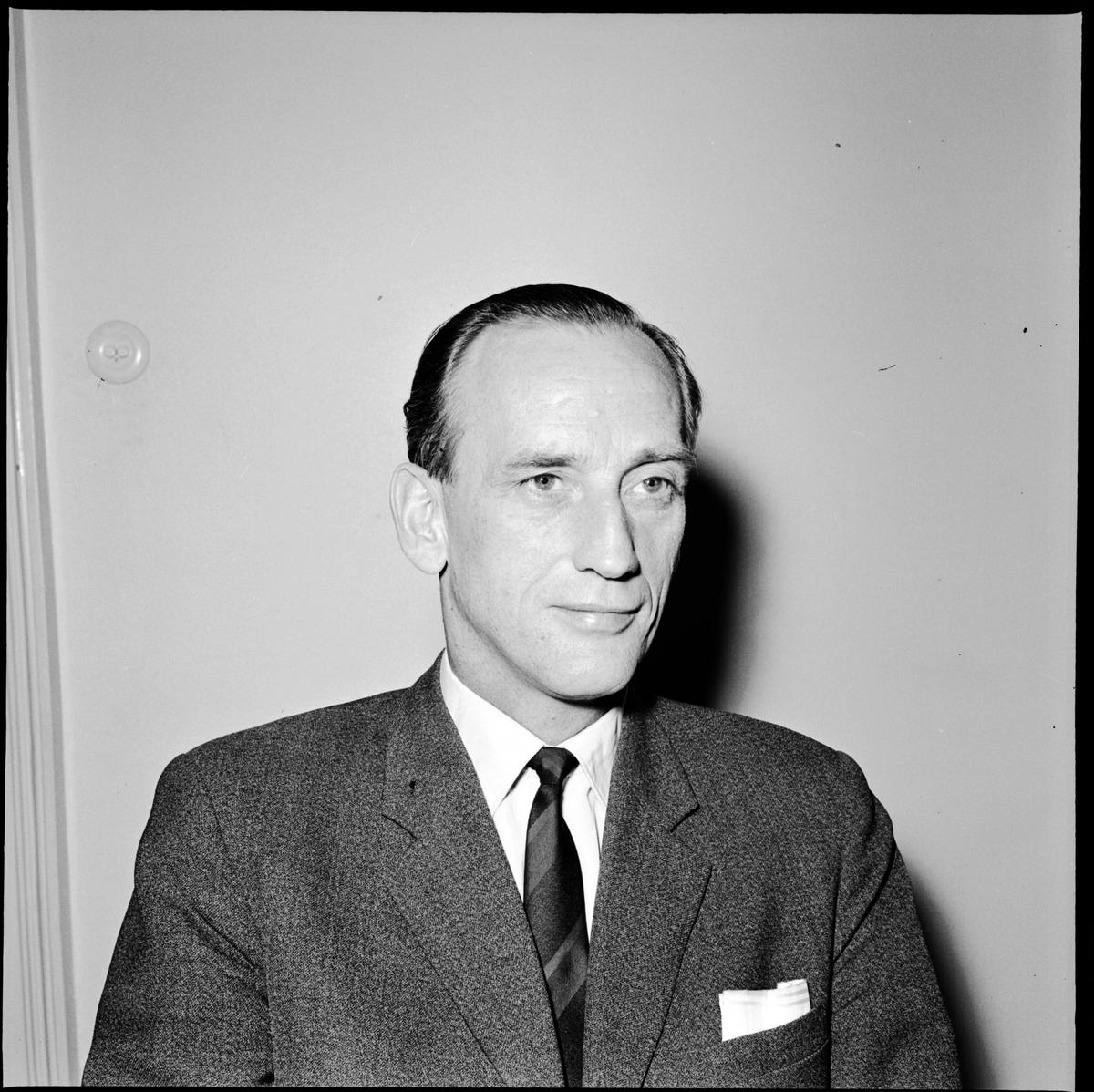 Douglas Hibell