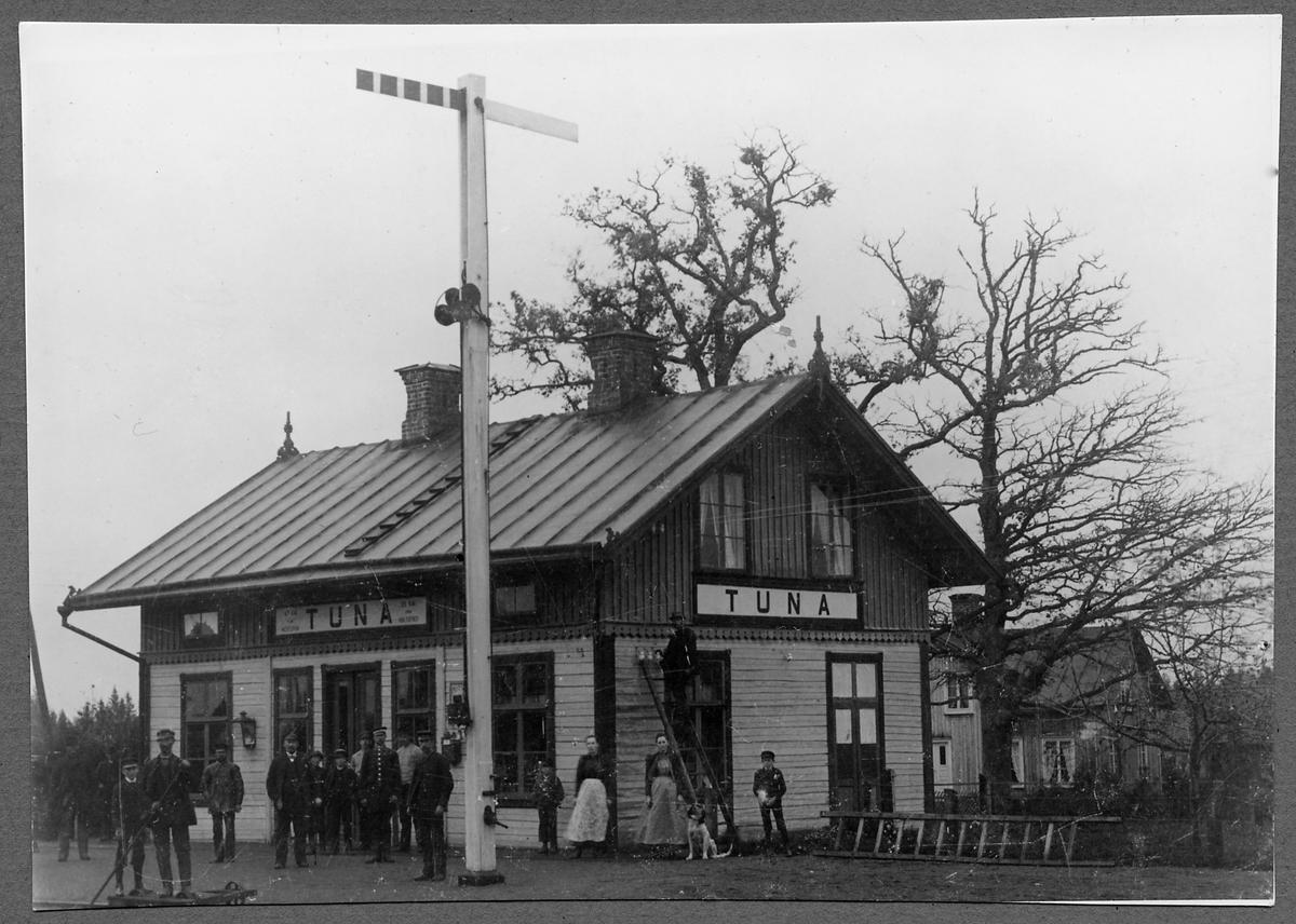 Tuna Järnvägsstation.
