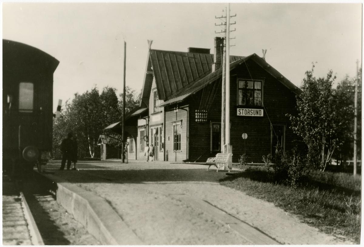 Statens Järnvägar, SJ,  sträckan Jörn - Älvsbyn, parkbänk att vila på.