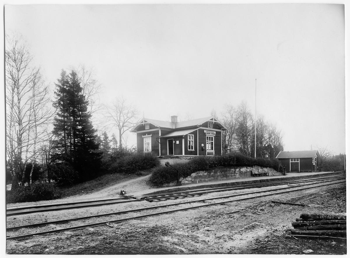 Ängebacken station.