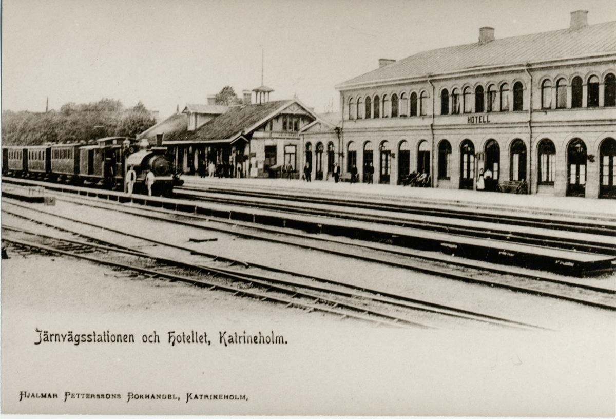 Järnvägsstationen och hotellet i Katrineholm.