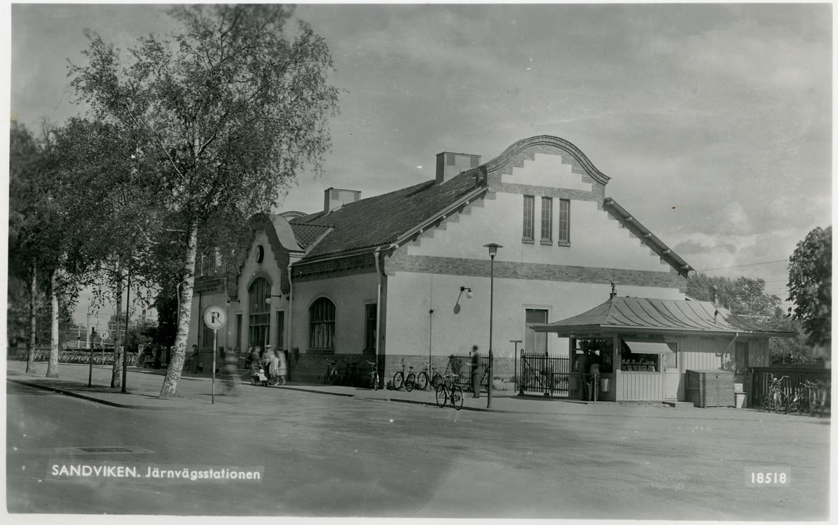 Sandvikens järnvägsstation från gatusidan.