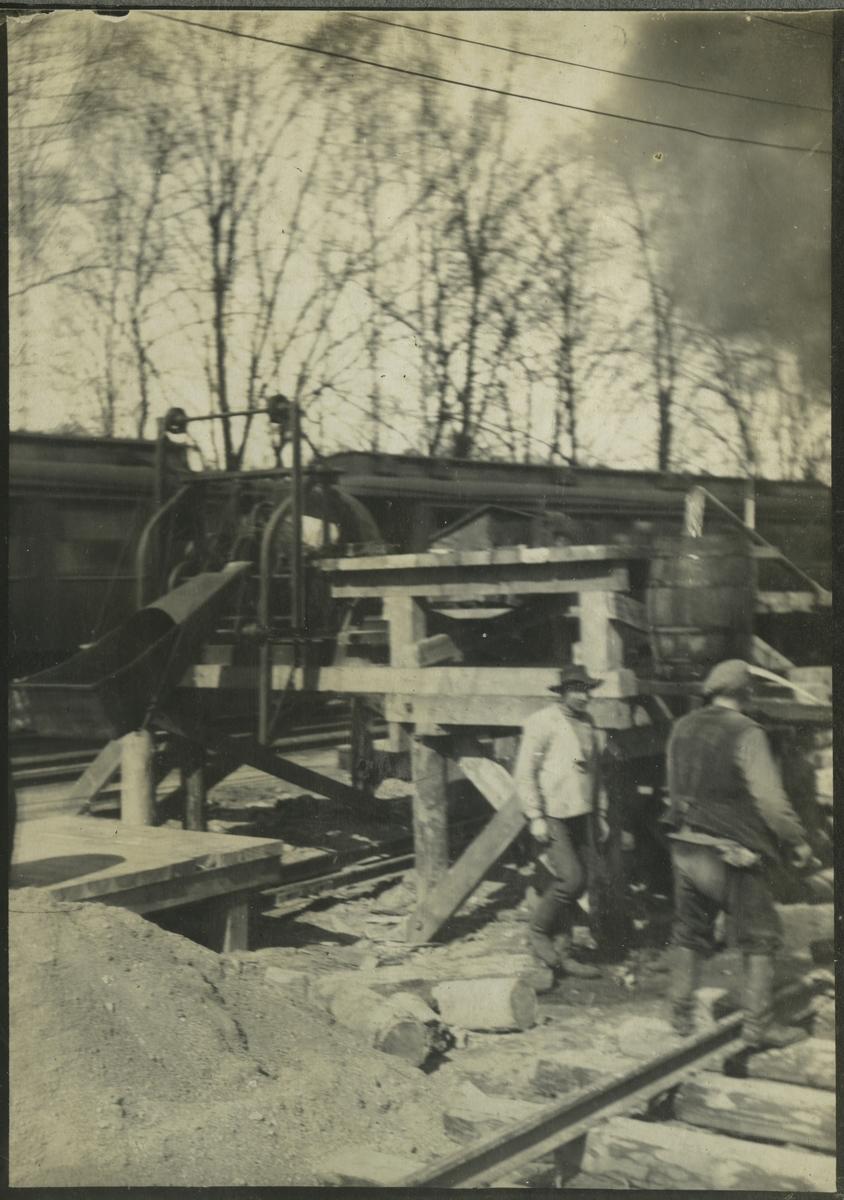 Betongblandningsmaskin vid brobygget av bron över Säveån.