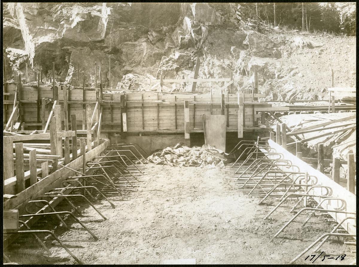 Brobygge för dubbelspåret över kanalen mellan Rönninge - Ström