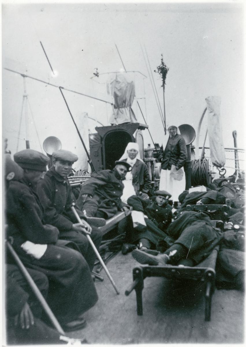 Krigsinvalider på fartyg.
