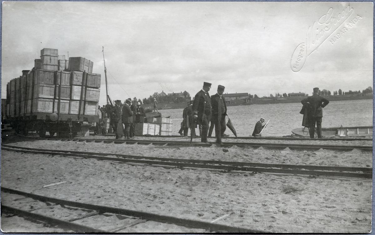 Generaldirektören inspekterar Haparanda hamn.