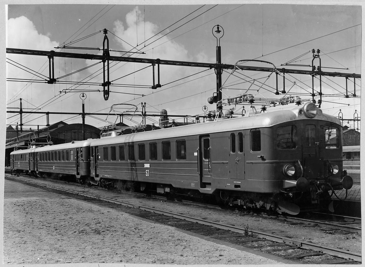 Statens Järnvägar, SJ X7 vid Malmö station.